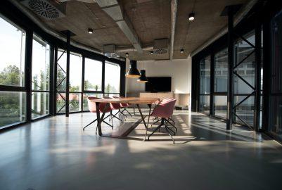 Welke vloeren zijn het best voor op kantoor?
