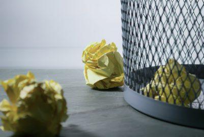 Houd je bedrijfsterrein netjes en schoon met RVS-afvalbakken